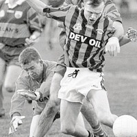 The Irish News Archive - Oct 5 1998: Crossmaglen blushes are spared by injury-time free