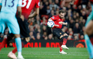 Juan Mata set to sign new deal at Manchester United
