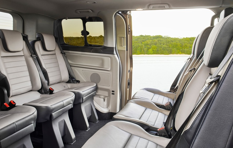 Ford Tourneo Custom: The van that is better* than a BMW 7