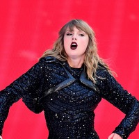 Taylor Swift to open rap-dominated American Music Awards