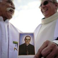 Pope makes El Salvador's Oscar Romero a saint