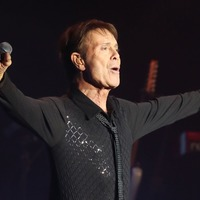 Sir Cliff Richard audience 'boos the BBC' following privacy victory