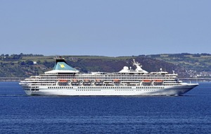 'Black Watch' drops anchor to end record-breaking cruise season for Belfast