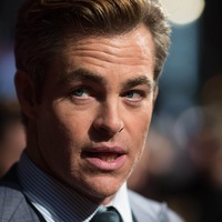 Chris Pine among stars at Outlaw King's Scottish premiere