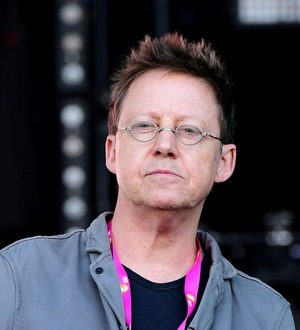 Simon Mayo announces departure from BBC Radio 2