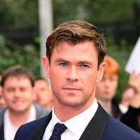 Chris Hemsworth gives hitchhiker lift in helicopter