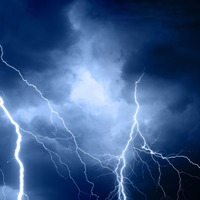 Watch: Lightning strike scares children out trick-or-treating on Halloween
