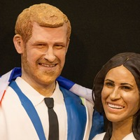 This baker made a life-sized Harry and Meghan cake