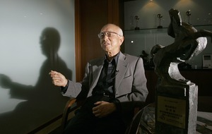 Raymond Chow, film producer behind Bruce Lee, dies at 91