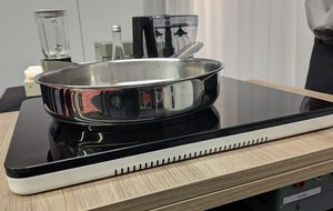 Clutter-free cooking of the future showcased by Wireless Power Consortium