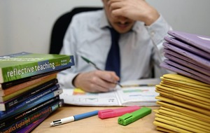 Public underestimates number of hours teachers work