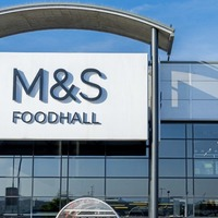 M&S reports profits rise, but warns of bleak sales outlook