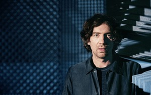 Snow Patrol's Gary Lightbody on award recognition, learning to play sober and conquering writer's block