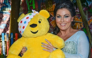 EastEnders star Jessie Wallace sings as Princess Elsa for Children In Need