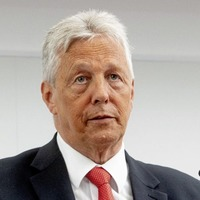 Peter Robinson says unionist fears about Acht na Gaelige 'could have been addressed'