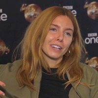 Stacey Dooley's hair 'stinks' as she sticks to Blackpool show style