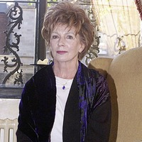 Novelist Edna O'Brien among winners of award for Irish abroad