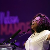 Oprah offers rousing tribute to Mandela on South Africa visit