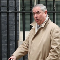 Geoffrey Cox: Attorney General's booming voice grabs Twitter's attention