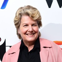Sandi Toksvig praises Carrie Gracie for speaking out over unequal pay at the BBC