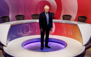 David Dimbleby given standing ovation at end of his last ever Question Time