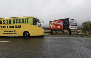 Pro-remain battle bus takes its campaign to the border
