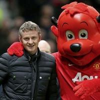 Manchester United name Ole Gunnar Solskjaer as interim manager