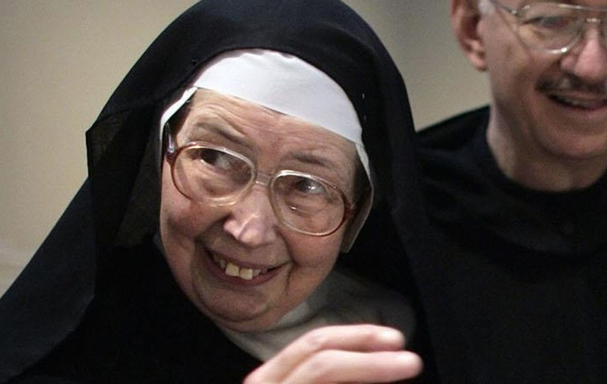 Sister Wendy, nun and television art critic, dies aged 88