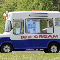 Ice cream van rammed another on Co Donegal beach amid row over the best pitch