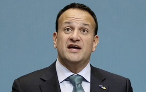 Taoiseach Leo Varadkar fails to mention Brexit or guarantee on border issues in New Year statement