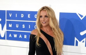 Britney Spears stops work to support father after his life-threatening illness