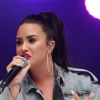 Demi Lovato hits out at 'fat-shaming' ad on Instagram