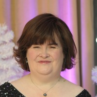 Susan Boyle makes emotional appearance on America's Got Talent