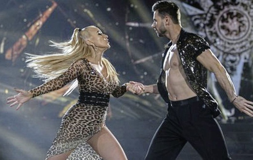 Co Tyrone country music star dances her way through to next round of RTÉ's Dancing with the Stars