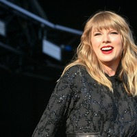 Taylor Swift shares images from set of Cats film