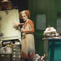 Lesley Joseph to reprise role of Miss Hannigan in Annie UK tour