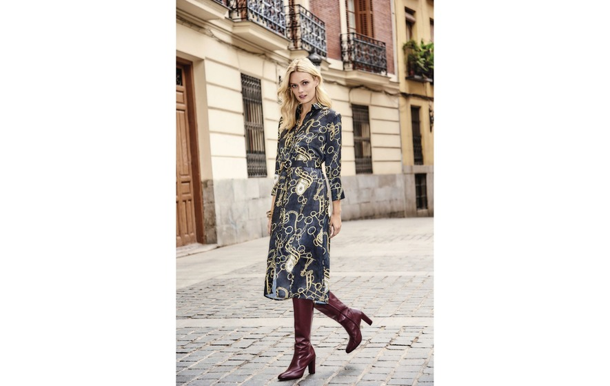 9543d4e7030 Fashion  Our pick of the designer-inspired baroque print pieces on the high  street. Sosandar Black Chain Print Shirt Dress ...
