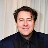 Jonathan Ross in emotional tribute to mother after her death