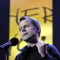 Tributes paid to comedy star Jeremy Hardy after his death aged 57