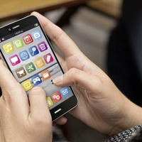 Smartphones should be `banned' from classrooms