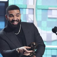 Drake takes aim at Recording Academy as he accepts best rap song gong