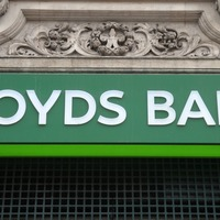 Lloyds apologises after customers locked out of online accounts
