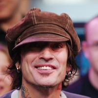 Motley Crue drummer Tommy Lee ties the knot with Vine star partner
