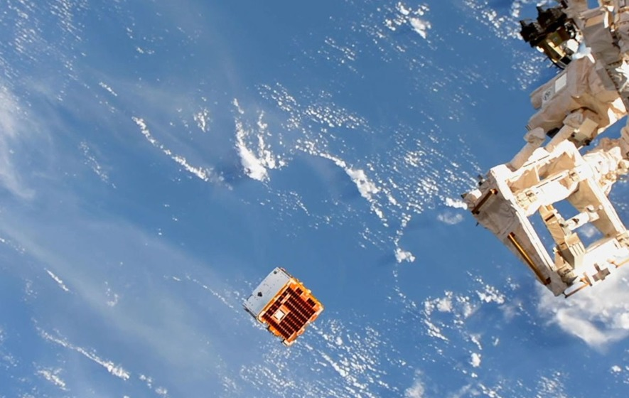 Space junk harpooned like whale in orbit-cleanup test