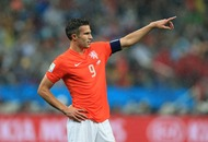 6a561fd538 Daily  Watch   Class act  Robin van Persie greets every mascot before match