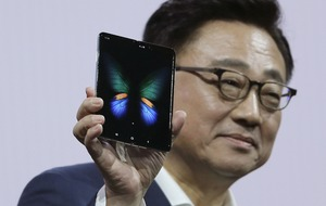 Experts react to Samsung Galaxy Fold launch