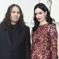 Krysten Ritter announces pregnancy at the Oscars