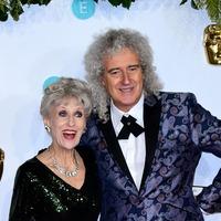 Surprise as EastEnders star Anita Dobson makes Oscars appearance