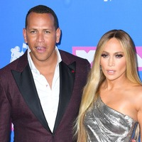 Jennifer Lopez shows off huge ring as engagement to Alex Rodriguez is announced