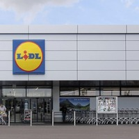 Lidl continues to gain ground on rivals as market share grows